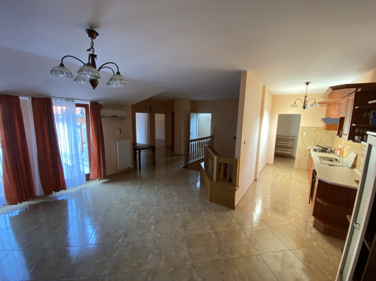For sale house Pápa  180 m<sup>2</sup> 38.9 millió Ft