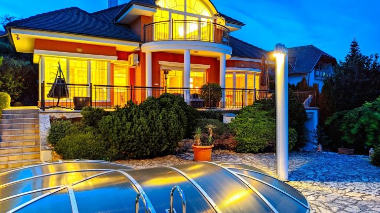 Eladó ház Balatonalmádi  285 m<sup>2</sup> 279 millió Ft