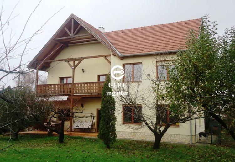 Verkaufen Haus Göd Belvárostól 5 percre 270 m<sup>2</sup> 145 millió Ft