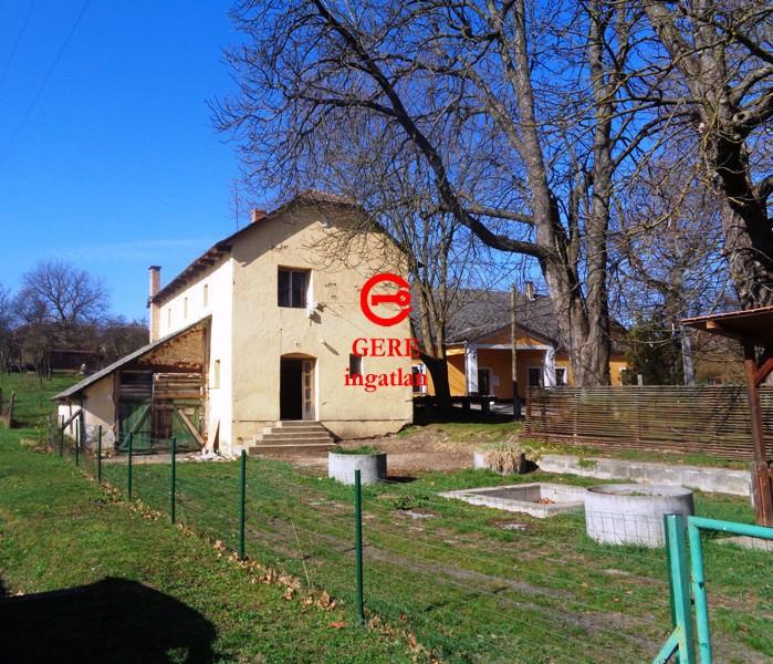 Verkaufen Haus Legénd Központban 150 m<sup>2</sup> 17.9 millió Ft